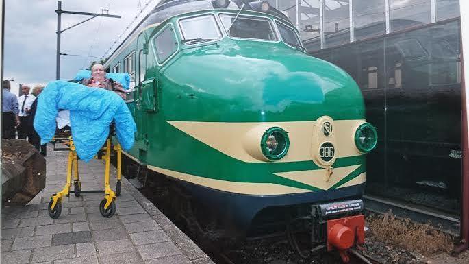 Resultado de imagem para Stichting Ambulance Wens